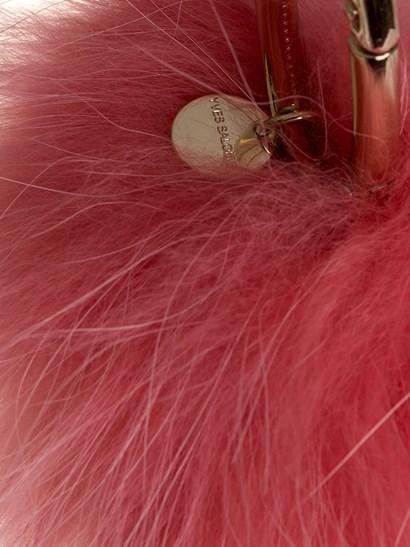 Fuchsia fur pom pon key ring, golden metal carabiner. - Yves Salomon - Key ring