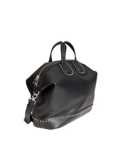 Hammered leather bag Colour: black Silver metal details Logo detail Two handles Leather adjustable and removable shoulder strap with shoulder protection Two inner pockets Zip pocket inside Double slider zip closure - Givenchy - Nightingale bag
